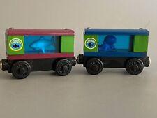 2001 Thomas the Train Friends Wooden Railway - Sodor Aquarium Shark Squid Cars