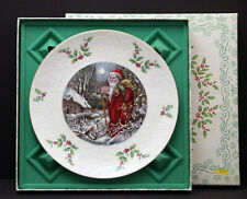 Royal Doulton 1980 Annual Christmas Holiday Plate. 4th in the Series w/ Box