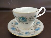 Vintage Queen Anne Bone China Cup & Saucer Set Made in England (Cat.#5B039)