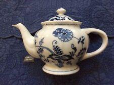 "Blue Danube ""Blue Onion"" teapot/lid"