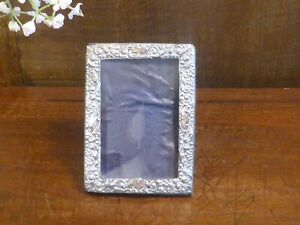ANTIQUE HALLMARKED 1904 small SOLID SILVER PHOTO FRAME - 11.2cms x 8.2cms