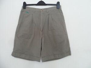 "Donnay men`s green golf shorts waist size 30"""