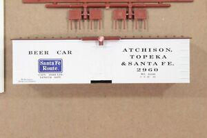 "HO Roundhouse Santa Fe 36ft ""Old Time"" Wood-Side Ice Refrigerator ""Beer"" Car"