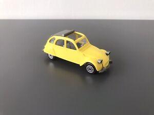 Norev France 70's . Citroën 2 Cv 6 , Num 56 . 1/43 . Jaune .
