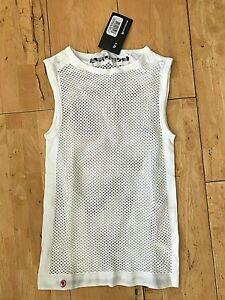 ENDURA FISHNET SLEEVELESS BASE LAYER