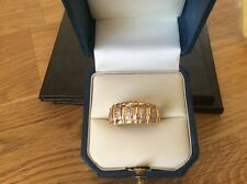 14ct Yellow Gold band ring set with 20 Diamonds size P
