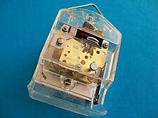 Altes elektromechanisches J.A.Z. ( Frankreich ) Uhrwerk für Wanduhr / Tischuhr