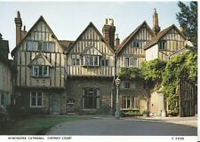 Hampshire Postcard - Winchester Cathedral - Cheyney Court - Ref ZZ4926