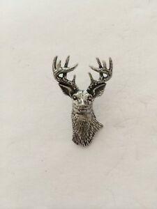 A22 White Tailed Deer Fine English Pewter Animal Pin Badge
