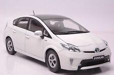 Toyota Prius Hybrid car model in scale 1:18 white
