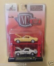 C19  33000 08 M2 MACHINE AUTO LIFT 1965 FORD MUSTANG 2+2 FASTBACK  1:64 2 PACK