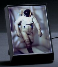 Looking Glass Portrait 3D Digital Photo Frame display iPhone photos as holograms