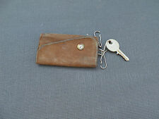 Porte-clé en cuir marron ancien / vintage Brown leather keyring case