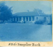 Inde, Barh, Bungalow, ca.1898, vintage cyanotype print Vintage cyanotype print,