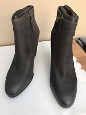 Michael Kors Ladies Grey Boots Size 6.5
