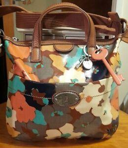 Fossil Key-Per Floral Oilcloth Medium Cross-body Messenger Bag