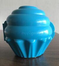 New Tupperware Cute Hinged Cupcake Keeper- Turquoise