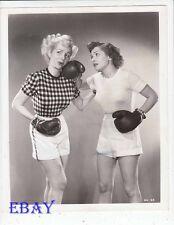 Sexy Gregg Sherwood boxes Dorothy Granger VINTAGE Photo Golden Gloves Story