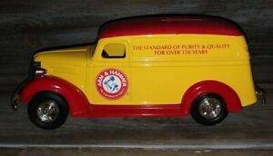 ERTL 1938 Chevy panel truck Die-Cast Bank Arm & Hammer Red & Yellow truck