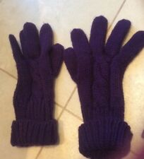 Purple onesize thick knit glove swith cable design