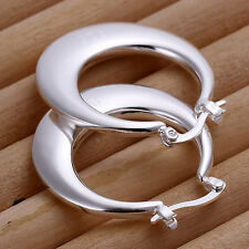 Solid Silver Fashion Jewelry Nobal Smooth Crescent Moon Woman Earrings Hoop E077