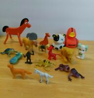 Lot Of 17 Vintage to Now Animal Plastic and Bendable Figure Toys Frogs Farm  t12