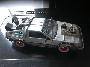 Back to the Future 3..1:24 DeLorean Time Machine Diecast Model Car Collection
