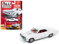 """1967 CHEVROLET CHEVELLE SS GLOSS WHITE """"VINTAGE MUSCLE"""" 1/64 AUTOWORLD 64132 B"""