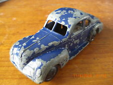 Dinky pre war 39f Studebaker with lacquered base , thin axels , smooth hubs rare