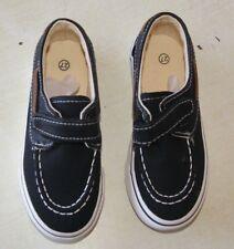 paire de chaussure bateaux neuve de couleur noir enfant taille 29 (an)