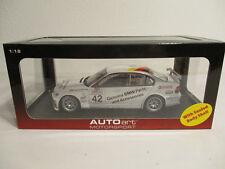 (GOK) 1:18 AUTOart BMW 320i WTCC 2005 J.Müller # 42 NEU OVP