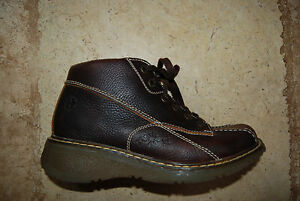 Brown Leather DR MARTENS Air Cushion Sole Laced Ankle Boots US Woman 9
