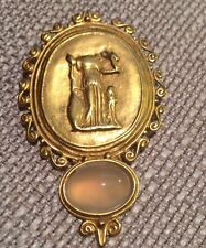 JADED NEW YORK GOLD PLATED GLASS OPAL SCULPTURAL BROOCH PIN