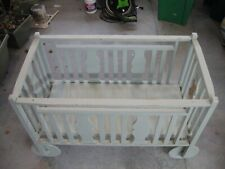 Vintage Wooden Baby Crib Bed with Wooden Wheels and Removable Bottom