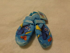 "Disney/Pixar Finding Dory Girls Ski Mittens Gloves ""Just Keep Swimming"" Nemo"