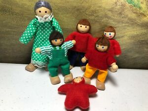 Melissa & Doug wooden doll house family figures posable flexible people lot of 6