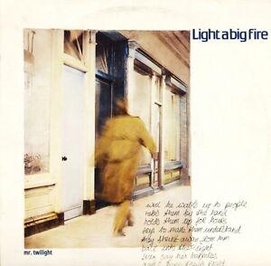 LIGHT A BIG FIRE mr twilight SIREN 28-12 uk siren 1986 LP PS EX+/EX