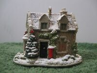 """Lilliput Lane Collectible Ornament L2902 """"Christmas Post"""" 2006 MIB with deed."""