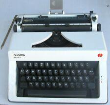 Ancienne Machine à Écrire à de Voyage Schreibmaschine en Valise Olympia Monica