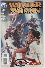 Wonder Woman #221 (Nov. 2005, DC)