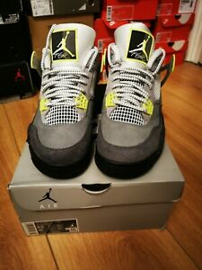 Air Jordan 4 Retro SE NEON UK 7.5