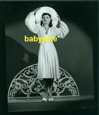 PAULETTE GODDARD VINTAGE 7X9 PHOTO 1940 FASHION BY EDITH HEAD THE GHOST BREAKERS