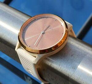 Garmin Vivomove HR Hybrid Smartwatch Rose Gold and White