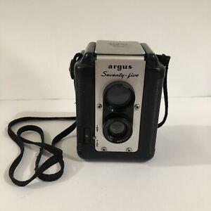 VTG Argus Seventy-Five Camera 75 Mm Lens Timer Or Instant Tripod Mount