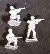 SHQ UM03C 1/76 Diecast WWII US Marines Riflemen-3 Skirmishing, no Helmet Covers