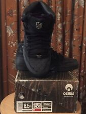 Osiris (Bronx) Men��s size 8.5, Black/Spade. Pre-owed. Great for skateboarding.