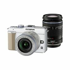 Near Mint! Olympus E-PL1 12.3MP with 14-42mm + 40-150mm White - 1 year warranty