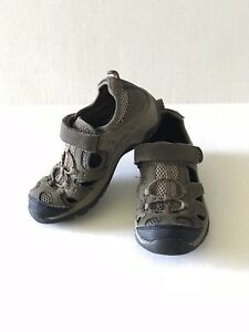 Cherokee Olive Green Closed Toe Sandals Boys Size 10