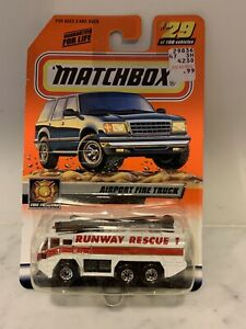 MATCHBOX # 29 WHITE AIRPORT FIRE TRUCK MB 8-I14