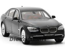 Coches, camiones y furgonetas de automodelismo y aeromodelismo negros de escala 1:18 BMW